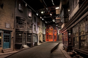Warner Bros - The Making of Harry Potter with hotel pick up