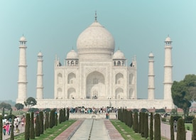 1 Day Trip to Taj Mahal, Agra from Bangalore with flights
