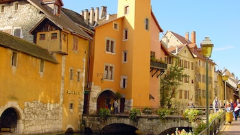 Annecy Half-Day Guided Tour from Geneva