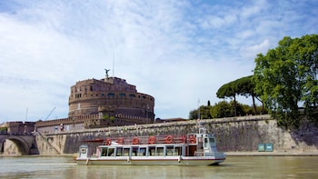 Evening River Cruise with Wine & Italian Appetisers