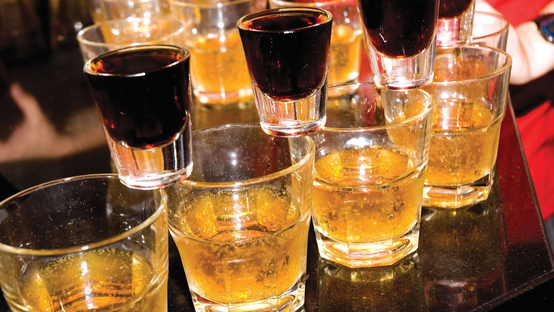 Cibo, bevande e vita notturna