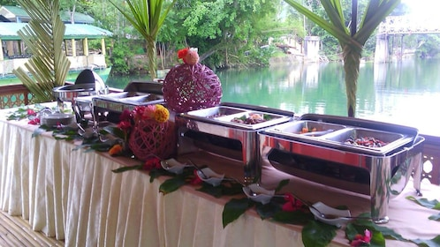 Buffet style lunch served in Bohol