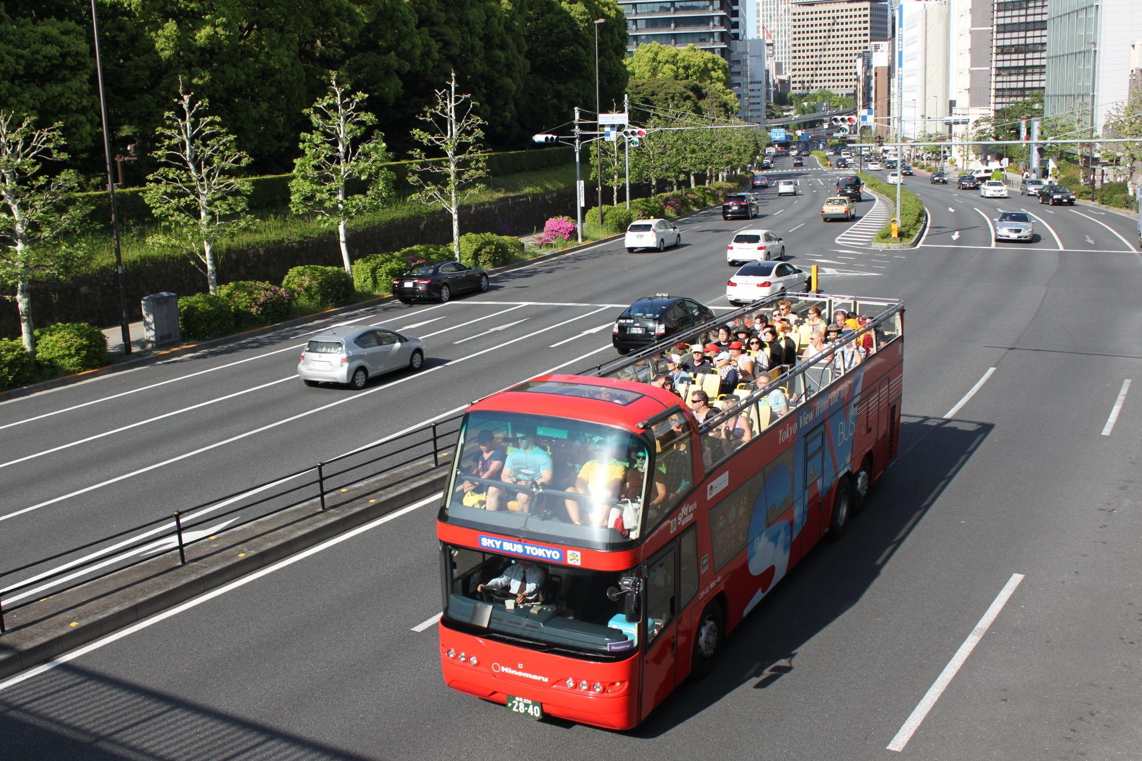 Hop-on hop-off -kiertoajelu Tokiossa