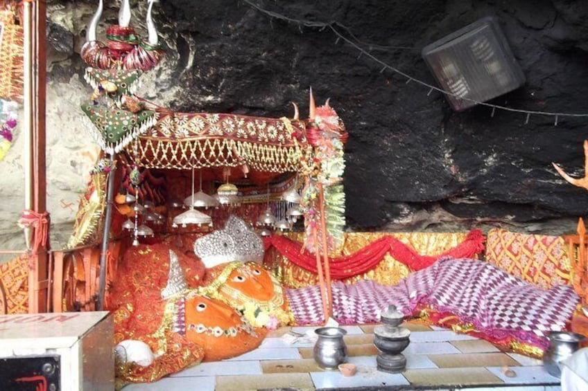The Hinglaj Mata is believed to be a very powerful deity – among the most revered in the Hindu tradition.