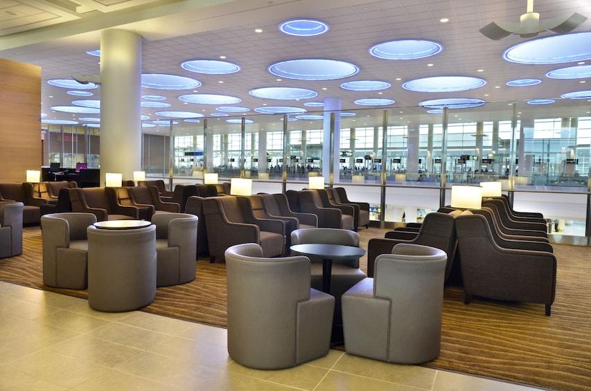 Plaza Premium Lounge Winnipeg Richardson Int' Airport (YWG)