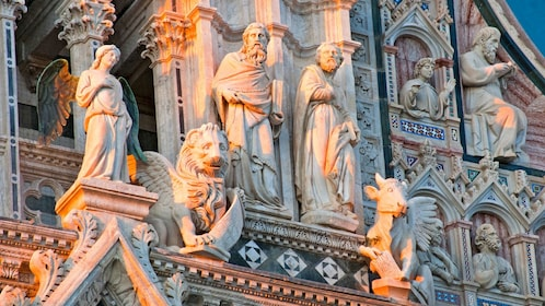 Ornate building exterior of Highlights of Tuscany tour in Italy