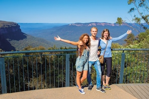 Blue Mountains & Australian Wildlife Park Day Tour