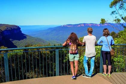 Jenolan Caves & Blue Mountains Day Tour