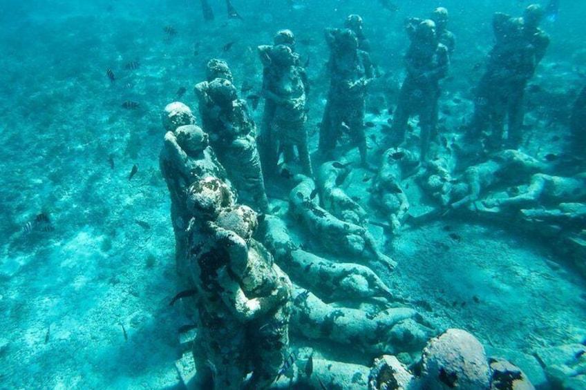 Statue under water
