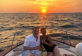 Sunset tour to Capri by boat of 5 hours