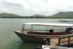 Kumasi Lake Bosomtwe Boat Cruisely & Green Range Horse Riding