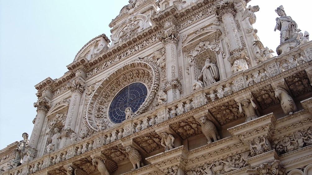 Apri foto 1 di 5. the facade of the Church of Santa Croce in Italyz