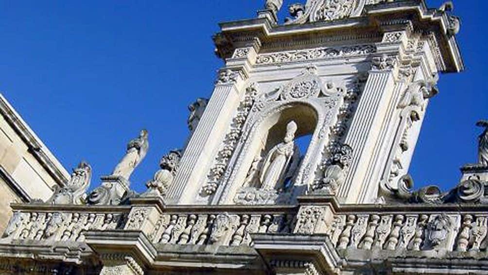 Apri foto 5 di 5. statue above the Church of San Giovanni Battista in Lecce