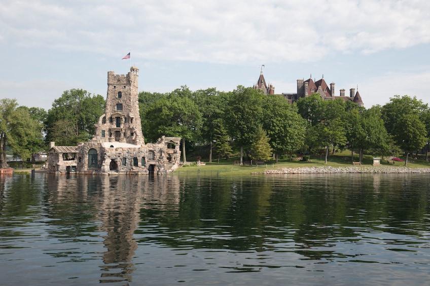 Niagara Falls, Toronto & Thousand Islands 3-Day Trip