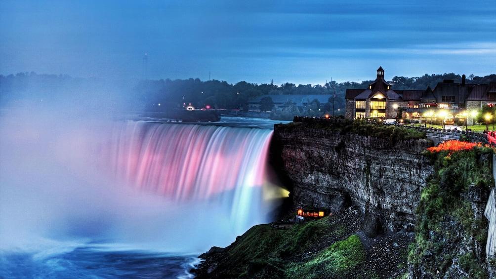 Niagara Falls lit up at night