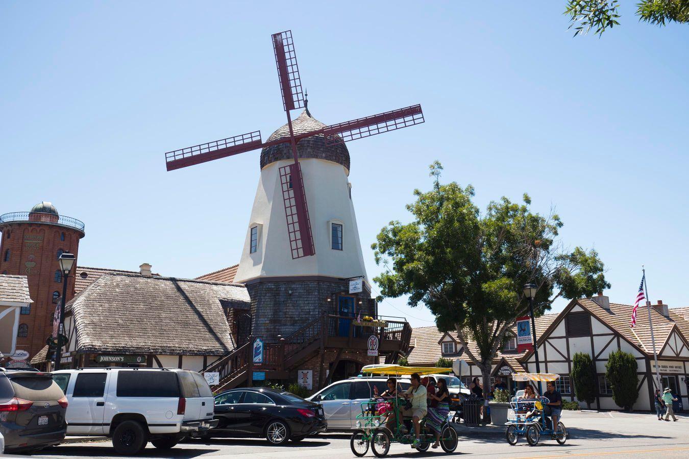 Coast Tour to Santa Barbara, Solvang & Hearst Castle