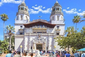 Discover majestic Hearst Castle on this 1-day trip from San Francisco