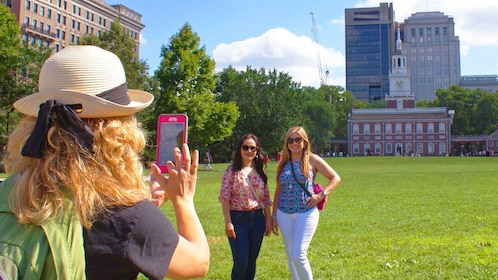Taking a picture in historic Philadelphia