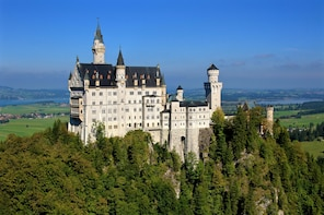 Day trip to castles Neuschwanstein and Linderhof from Munich