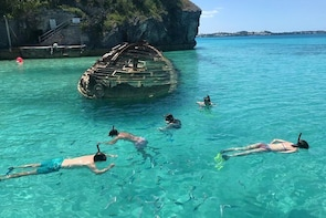 Bermuda Snorkel Tour: Reefs and Wrecks