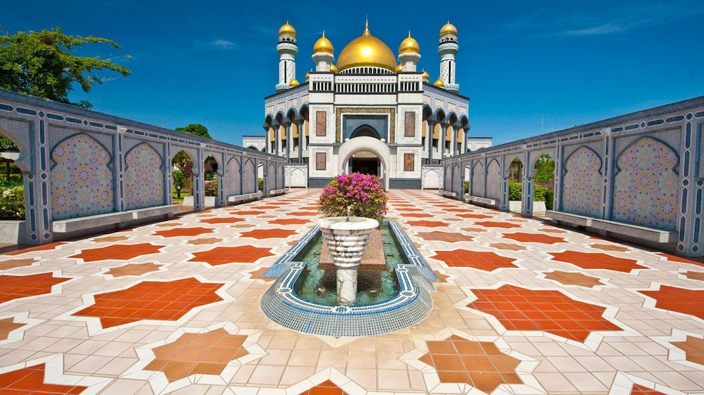 Show item 2 of 5. Jame'asr Hassanil Bolkiah Mosque in Brunei