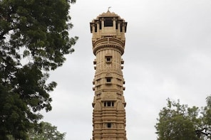 Uncover the Masterpiece of Hutheesing Jain Temple