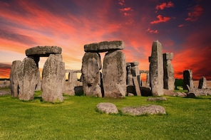 Stonehenge and Bath Private Driving Tour
