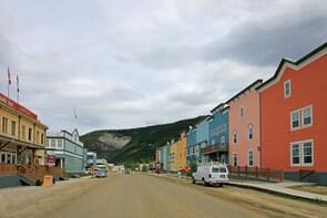 Dawson City to Fairbanks Shuttle