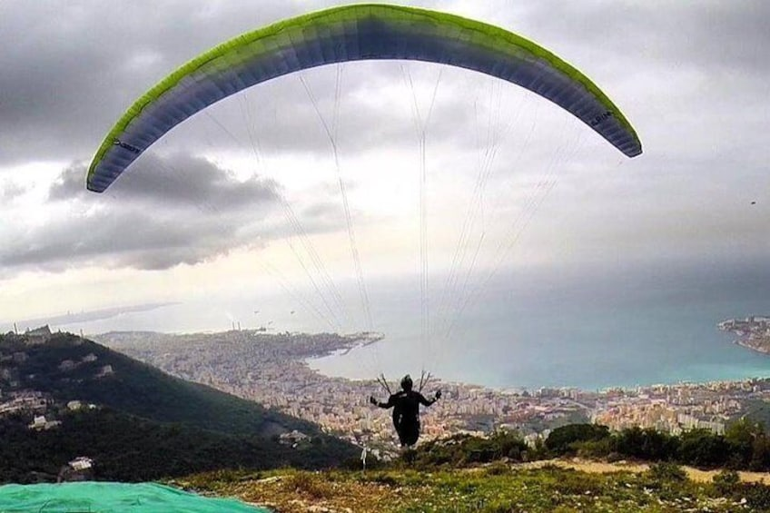 Paragliding Jounieh Lebanon with number one pilots Raja Saade & Elie Mansour - certified and insured pilots