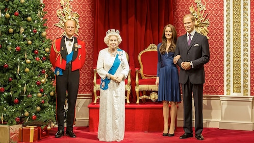wax statutes of Queen Elizabeth and Prince William in London
