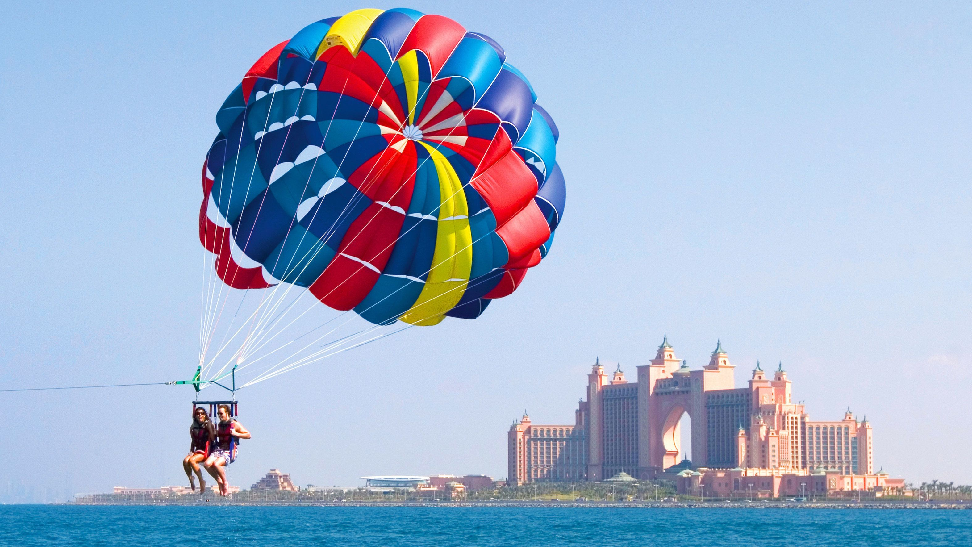 Parasailing near Atlantis Resort in Dubai
