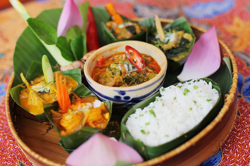 Flavors of Phnom Penh Cooking Class