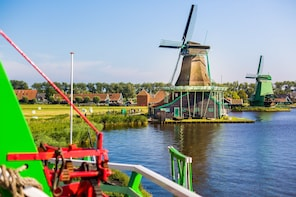 Countryside & Windmills Tour with Cruise & Cheese Tasting