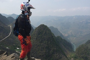 Vietnam Motorbike Tours and offroad motorcycle tours in North- Centre - Sou...