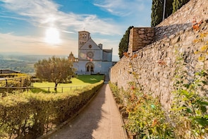 Assisi & San Francesco Full Day Tour