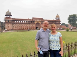 Taj Mahal with Mathura Vrindavan Tour