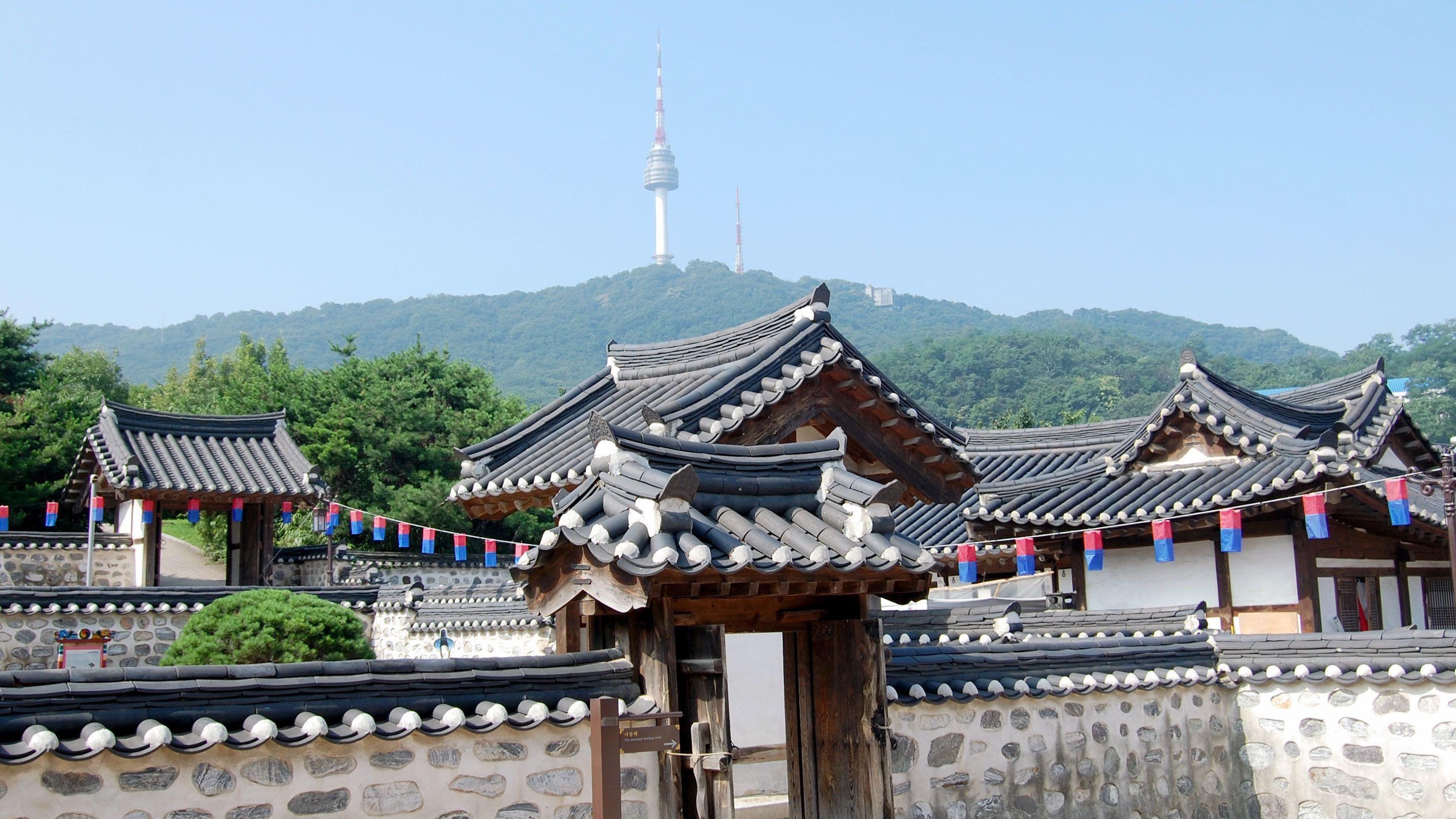 N Seoul Tower, Hanokin kylä ja War Memorial of Korea