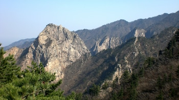 Full-Day Mount Seoraksan National Park Excursion