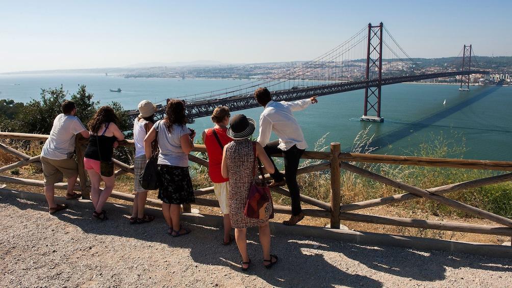 Apri foto 2 di 5. near the long suspension bridge in Portugal