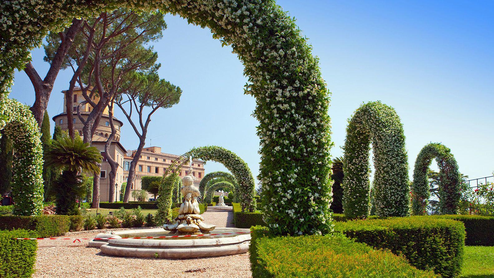 Siirry jonon ohi: Laajennettu Vatikaanin museo- ja puutarhakierros