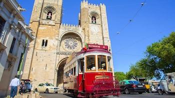 Lisbon - Hills Tramcar Hop-on Hop-off Tour