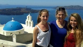 Tour privato di mezza giornata all'antica Akrotiri e al villaggio di Oia