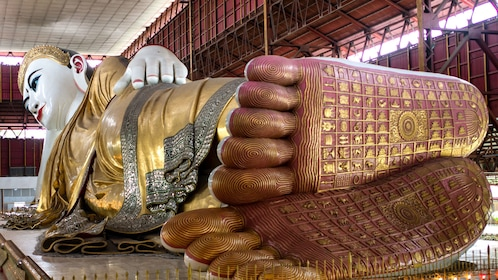 Large scale reclining buddha statue in Yangon