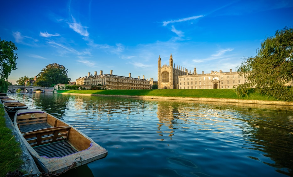 Show item 10 of 10. Oxford & Cambridge Full-Day Tour with Admission & Lunch Pack