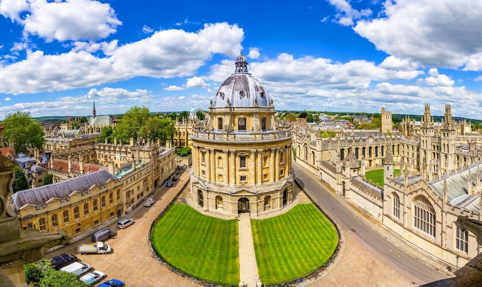 Show item 3 of 10. Oxford & Cambridge Full-Day Tour with Admission & Lunch Pack