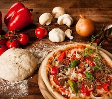 Pizza making experience in Como area