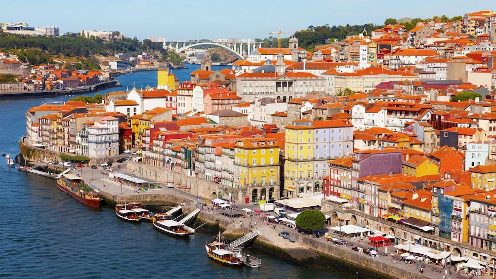 Åpne bilde 5 av 5. Waterfront city of Porto