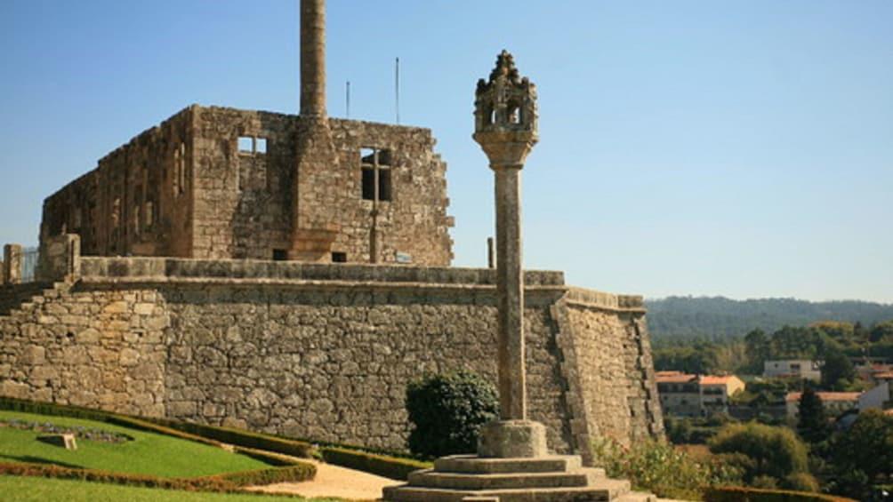 Charger l'élément 4 sur 5. Stone fortress in Barcelos