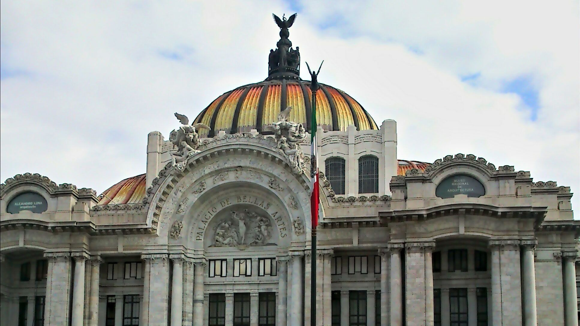 The Palacio de Bellas Artes in Mexico City