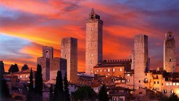 VIP-Tour nach Siena und San Gimignano in kleiner Gruppe mit Chianti-Abendes...